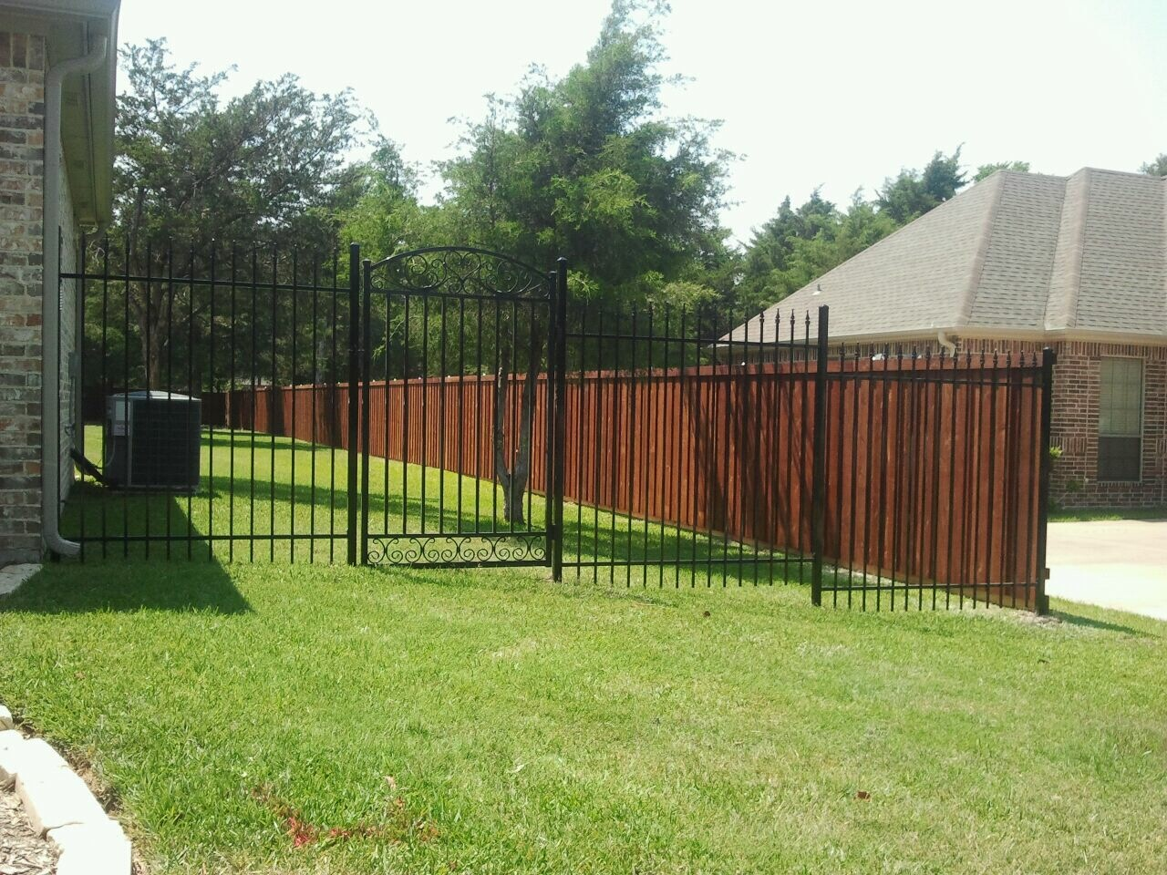 20 Foot Wrought Iron Fence with Single Entracne Gate - Fencing