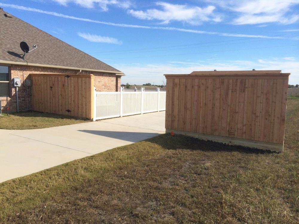 Clear Cedar Board on Board Fence with Entrance Gate - Fencing