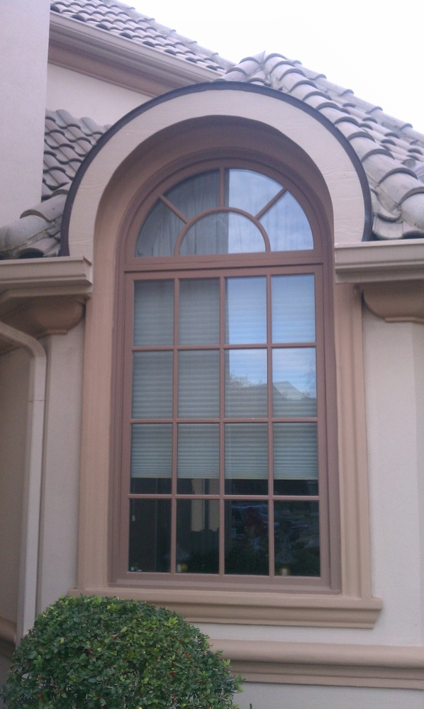 Milgard Woodlcad Windows in a Custom Exterior Color - Wood